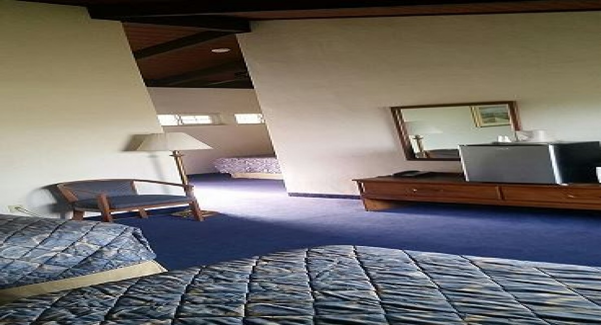 3 DOUBLE BEDS – NON SMOKING