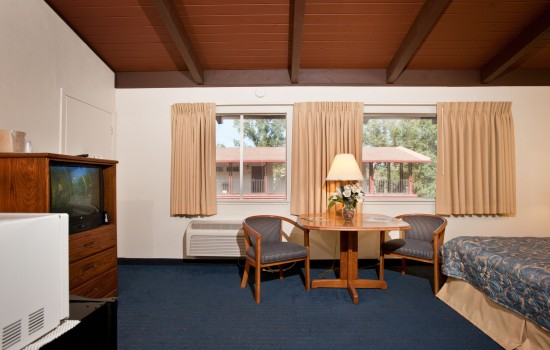 Welcome To The Jackson Lodge - Guest Rooms