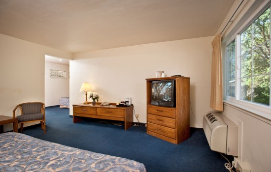 Welcome To The Jackson Lodge - Guest Rooms Interior