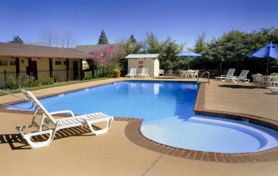 Welcome To The Jackson Lodge - Beautiful Outdoor Heated Pool